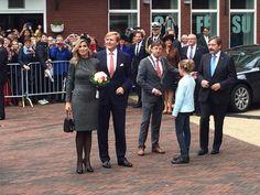 """""""Koningin Maxima, koning Willem-Alexander, burgemeester Jos en gouverneur Theo (van links naar rechts) #L1 #Kerkrade"""""""