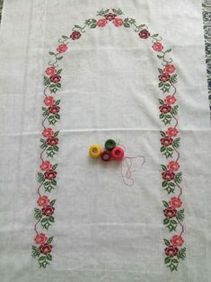 This Pin was discovered by ber Cross Stitch Rose, Cross Stitch Flowers, Cross Stitch Designs, Cross Stitch Patterns, Teapot Cover, Yarn Shop, Easy Crochet Patterns, Vintage Patterns, Floral Tie