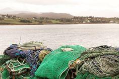 Portree in Schotland is een leuk vissersplaatsje. #aberdeen #uk #scottish #travel #nature #visitscotland #landscape #photography #travelphotography #canon #scotland #canonnederland #canon_photos #fotocursus #fotoreis #travelblog #reizen #snpnatuurreizen #fotoworkshop #fotocursus #willemlaros.nl #portree #reisfotografie #skye #fb #tw
