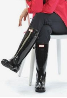 Wellies Rain Boots, Black Rubber, Hunter Boots, Feminine, How To Wear, Cavalier Boots, Natural Rubber, Shoe, Italy