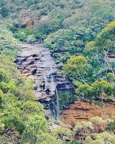 Hyvää viikonloppua! Wishing you a relaxing weekend!  #wentworth #wentworthfalls #bluemountains #bluemtsaus #australia #seeaustralia #waterfall #vesiputous #nature #luonto #nationalpark #kansallispuisto #travel #matkalla #reissu #mondolöytö #adventure #hiking #patikointi #vaellus (via Instagram)