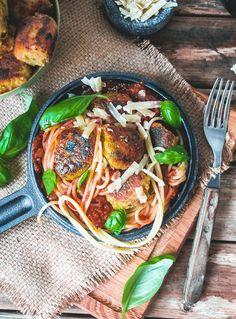 Eggplant, lentil and parmesan patties // Ihan mahtavat Munakoiso-linssipyörykät (toiveruokaa osa 3) – Viimeistä Murua Myöten