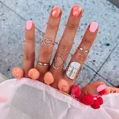 Good morning Sunday!💗 Lots of requests to see my latest manicure and I couldn't wait to share this vacation inspired on with you!! #FashionablyKayNails ☀🌴 @stellashaybossbae did this design for me and I fell in love (what else is new?!) 😍😍 I wanted pink + peach tones for my weekend trip so this was exactly what I had envisioned! @stellaandshay 🌟🌟 // My girl @pardonmuahinsta surprised me with this Pom coverup and y'all... I'm OBSESSED!