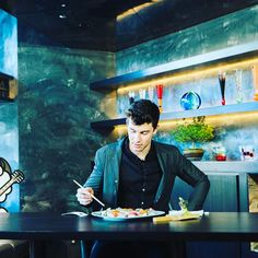 """1m Likes, 8,878 Comments - Shawn Mendes (@shawnmendes) on Instagram: """"Thank you @zero__tokyo for the amazing Sushi!"""""""