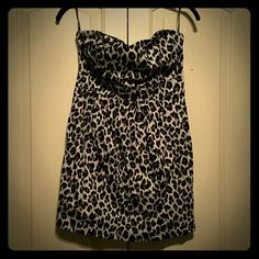 Leopard print dress Never worn short party dress! Zip up back, fits true to size. Forever 21 Dresses