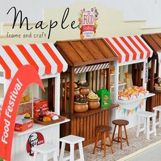 Ready or not it's time for Maple's FOOD FESTIVAL! Here all of Maple's food stall. Complete your collections and make your own food festival! Clay Crafts, Diy And Crafts, Crafts For Kids, Paper Crafts, Miniature Furniture, Dollhouse Furniture, Miniature Food, Miniature Dolls, Smurf House