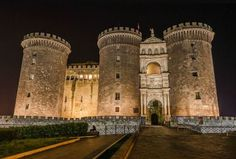 CASTEL NUOVO, ITALY | Real WoWz