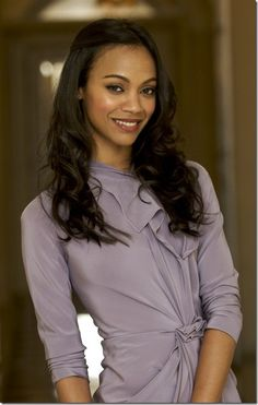 """#howtobephotogenic #ZoeSaldana #DailyMom - GIVE THAT BODY SOME SHAPE. Adding a bit of """"bend"""" to your body will make your photo appear more visually interesting. Try crossing your arms and sticking out a hip, or raising one shoulder slightly higher than the other."""