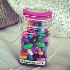 how many jelly beans are in the jar??