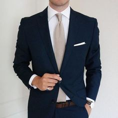 Navy suit and cream knit tie Mode Masculine, Mens Fashion Suits, Mens Suits, Groom Suits, Navy Suit Fashion, Groom Attire, Mens Tux, Navy Groom, Fashion Menswear