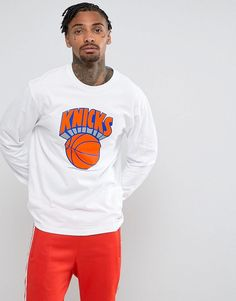 Get this Mitchell & Ness's long-sleeved t-shirt now! Click for more details. Worldwide shipping. Mitchell & Ness NBA New York Knicks Long Sleeve Top - White: Top by Mitchell Ness, Soft-touch jersey, Crew neck, Printed front, Long sleeves, Fitted cuffs, Regular fit - true to size, Machine wash, 100% Cotton, Our model wears a size Medium and is 185.5cm/6'1 tall. It started in 1904, when former tennis and wrestling champ Frank P. Mitchell teamed up with fellow sporting buddy and Scottish golfer…
