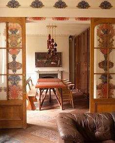 Grand Blotch Damask wallpaper Timorous Beasties available at walnut wallpaper Hampstead House, Timorous Beasties, Entry Wall, Damask Wallpaper, Eclectic Design, Design Projects, Interior And Exterior, Sweet Home, Living Room