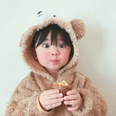 Find images and videos about baby, kids and اطفال on We Heart It - the app to get lost in what you love. Cute Asian Babies, Korean Babies, Asian Kids, Cute Babies, Cute Little Baby, Little Babies, Baby Kids, Baby Boy, Ulzzang Kids