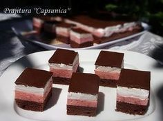 diana's cakes love: Prajitura ''Capsunica'' Sweet Recipes, Cake Recipes, Romanian Desserts, Good Food, Yummy Food, Cake Bars, Food Cakes, Easy Meals, Ice Cream