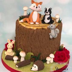 Bunny Birthday Cake, Animal Birthday Cakes, Hedgehog Birthday, Birthday Cupcakes, Garden Birthday Cake, Rabbit Cake, Bunny Rabbit, Squirrel Cake, Nature Cake