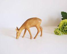 Folk art escandinavo animal abedúl  //Figura ciervo tallada a