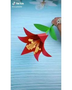 Cool Paper Crafts, Paper Flowers Craft, Paper Crafts Origami, Origami Flowers, Origami Art, Flower Crafts, Diy Flowers, Fun Crafts, Easy Origami Flower