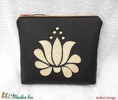 Tulipán motívumos neszesszer, bármitartó - fekete/arany (BellestiDesign) - Meska.hu #handmade #handmadebag #mywork #bags #woman #fashion #bellestidesign #táskák #kézműves #egyedi #nőknek #divat l #rendelés #rendelhetők #crafts #ősz #folk #hungarian #hungarianfolkart