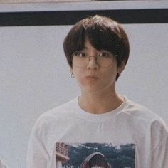 Read 💜 Jeon Jungkook 💜 from the story -Pics BTS- by Candywhattpad (Gukkie Guu) with 15 reads. Taehyung, Jungkook Jeon, Jungkook Oppa, Kim Namjoon, Foto Jungkook, Seokjin, Hoseok, Jung Kook, Foto Bts