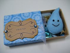 swap-bot, Group: Matchbox Mafia I decided to make a last minute addition tonight. A little blue rain drop with a smiley face :) He's a pin too! Crafts To Make, Crafts For Kids, Arts And Crafts, Diy Crafts, Matchbox Crafts, Picture Boxes, Creative Box, Inspiring Things, Craft Box