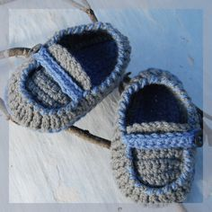 Hand crocheted BABY boy shoes. €15.00, via Etsy.