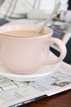 Rosa Lieblingstasse by herz-allerliebst, via Flickr