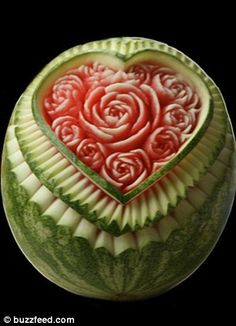 fruit carving! Wish I could do this...