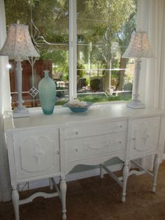 dining rooms decorated  with white walls | Dining Room Decorating Ideas ~ Buffet, Hutch, Side Table, or Wall ...