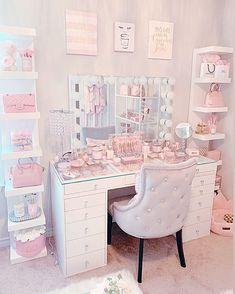Room Design Bedroom, Girl Bedroom Designs, Room Ideas Bedroom, Beauty Room Decor, Makeup Room Decor, Makeup Rooms, Cute Room Ideas, Cute Room Decor, Bedroom Decor For Teen Girls