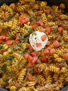 Taco Pasta Recipe Cheesy Broccoli Rice, Fresh Broccoli, Rotini Pasta Recipes, Ground Beef Taco Seasoning, Mexican Cornbread Casserole, Pizza Twists, Ground Beef Casserole, Hamburger Casserole, Ground Turkey Tacos
