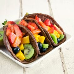 Fruit Tacos with Chocolate Tortillas @keyingredient #honey #tacos #chocolate