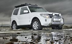 The Mitsubishi Pajero SWB has been given a number of improvements for[…] Mitsubishi Pickup, Mitsubishi Shogun, Mitsubishi Motors, Mitsubishi Pajero, Pajero Full, Outlander 2017, Bull Bar, Latest Cars, Offroad