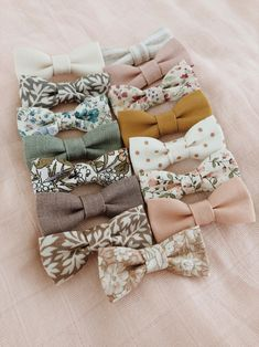 Dusty colors mix match bows pinks peach lavender mustard mint leaves flowers stripes bow headbands or bow clips Handgemachtes Baby, Baby Girl Bows, Baby Kind, Girls Bows, Bows For Babies, Baby Girl Fashion, Fashion Kids, Babies Fashion, Fashion Clothes