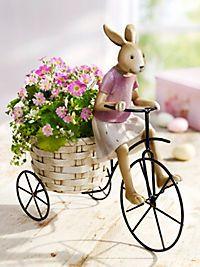 Niedliches Hasenmädchen auf Metallfahrrad mit hübschem Blumentopf im Gepäck Radler, Baby Strollers, Children, Home And Garden, Bunny, Bicycle, Kawaii, Plants, Dekoration