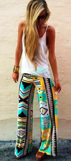 Super cute egyptian exuma pants and white tank. Aztec pants are all the rage s/s 2014 Look Fashion, Fashion Pants, Fashion Outfits, Womens Fashion, Spring Fashion, Tribal Fashion, Teen Fashion, Winter Fashion, Fashion Trends