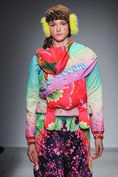 マニッシュ アローラ(manish arora) 2014-15年秋冬コレクション Gallery47 - ファッションプレス Manish Arora, Funky Fashion, Fashion Prints, Harajuku, Runway, Style Inspiration, Couture, Burning Man, My Style
