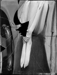 Distortion # 98 , Paris, 1933 by André Kertész Andre Kertesz, A Level Photography, Creative Photography, Photography Ideas, Broken Mirror, Robert Doisneau, Surrealism Photography, Black N White, White Art