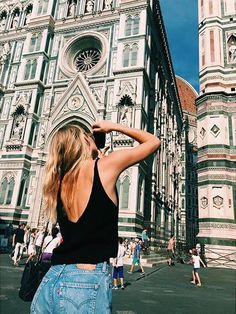 How many people live in Italy? According to data of the population and Housing Census of provided by Istat, in Italy there are around 60 milions Wanderlust, Adventure Awaits, Adventure Travel, Toscana Italia, I Want To Travel, Positano, Adventure Is Out There, Travel Goals, Photos Du