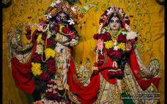 To view Radha Parthasarathi Wallpaper of ISKCON Dellhi in difference sizes visit - http://harekrishnawallpapers.com/sri-sri-radha-parthasarathi-iskcon-delhi-wallpaper-004/