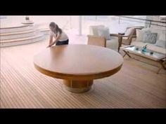 Interessante tavolo circolare che amplia la sua superficie.