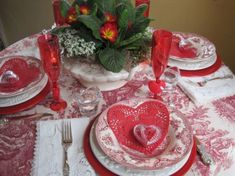 Cool 32 Valentine's Day Romantic Dining Table Decor for Two Ideas