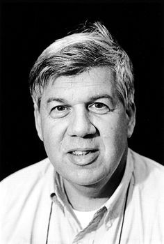 stephen jay gould essays natural history On the death of paleontologist stephen jay gould by walter gilberti gould also maintained a regular column in the journal natural history in an essay, the accidental creationist.