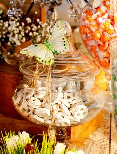 Candy table by Graceful-events.com  Photo by Oscar Rajo