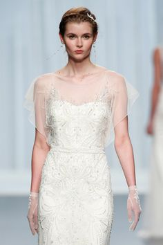 Rosa Clará 2016 Kollektion Barcelona Bridal Fashion Week http://www.hochzeitswahn.de/inspirationsideen/rosa-clara-2016-kollektion/ #weddingdress #fashion #style