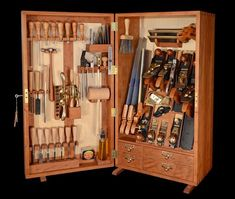 I can't remember the difference between want and need...but I am 99% positive that I need to build a similar tool chest.