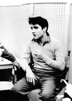 ★ Elvis ☆ - Elvis Presley Photo (32987468) - Fanpop