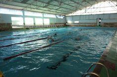 Depois de três semanas de descanso, os 36 atletas da equipe de natação da Associação Atlética Botucatuense (AAB), retomaram os treinos nesta segunda-feira, dia 25. As atividades foram acompanhadas de perto pelo técnico Oscar Fleury.  Os nadadores fizeram uma atividade de piscina com o único obje