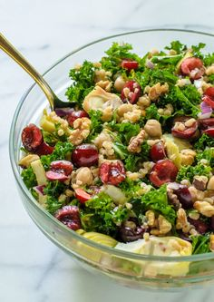 Summer Detox Salad. Packed with the Top 10 antioxidant rich foods. Serve for lunch, at a potluck, or top with chicken for dinner