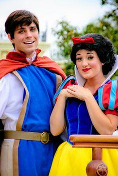 Disney Character Cosplay Prince Ferdinand and Snow White - Disney Couples, Disney Love, Disney Magic, Disney Parks, Walt Disney World, Disney Guys, Disney Disney, Disney Face Characters, Black Parade