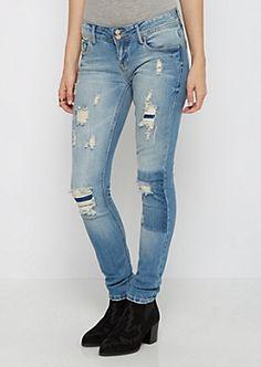 Destroyed & Scratched Skinny Jean